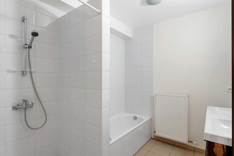 Recent en modern appartement met twee slaapkamers en terras te Deurne! afbeelding 11
