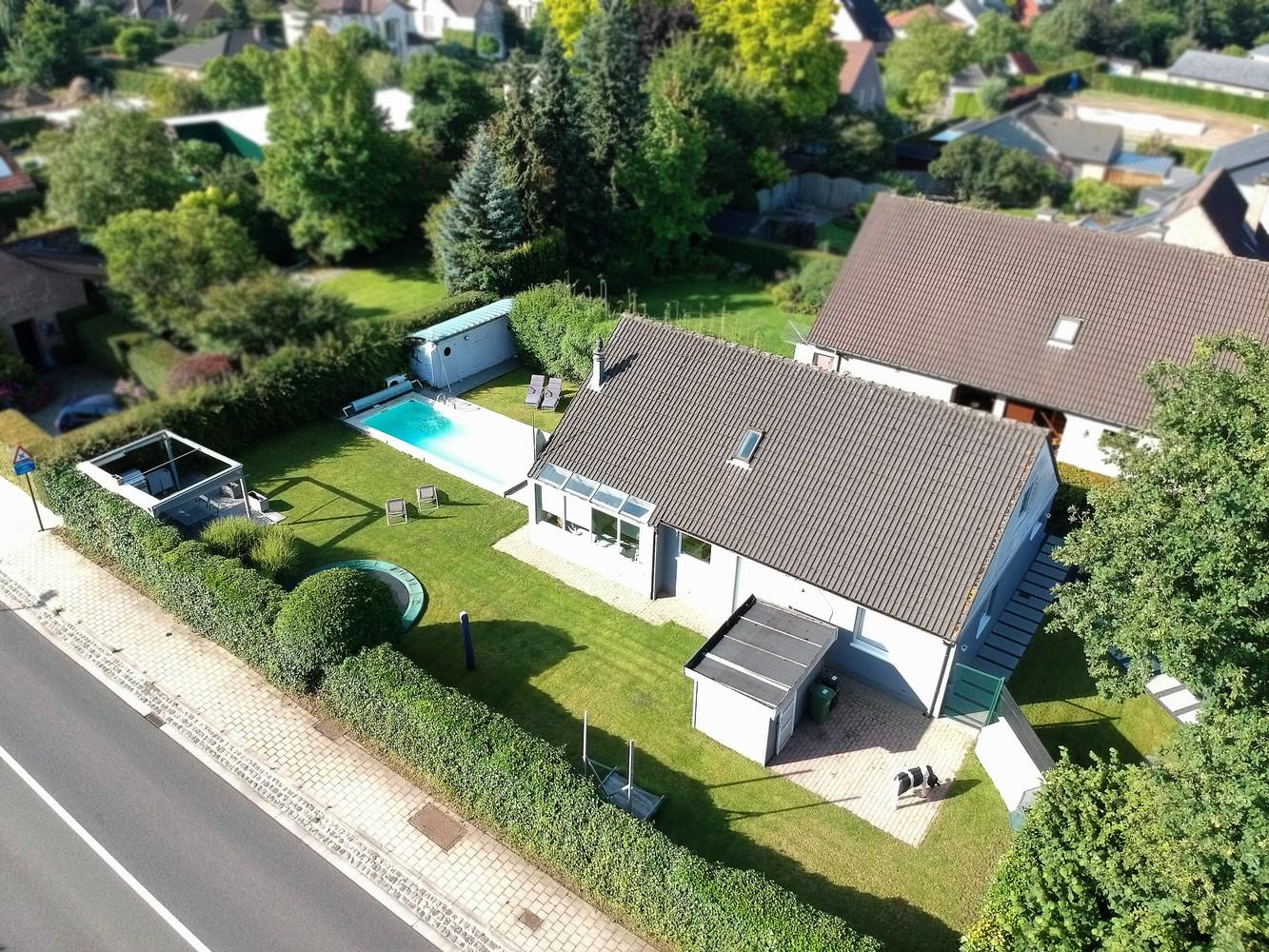 Zeer gunstig gelegen villa op een perceel van 657m² met zwembad! afbeelding 31