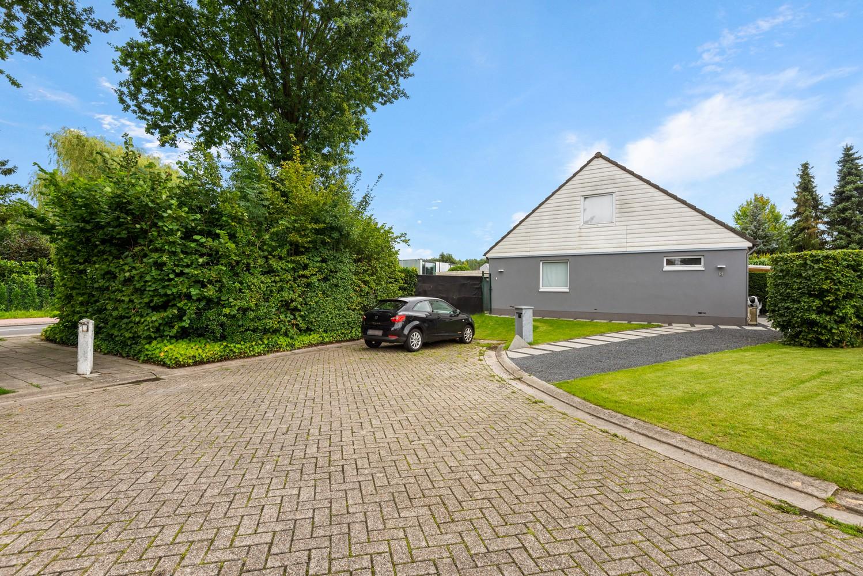 Zeer gunstig gelegen villa op een perceel van 657m² met zwembad! afbeelding 34