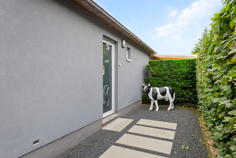 Zeer gunstig gelegen villa op een perceel van 657m² met zwembad! afbeelding 33