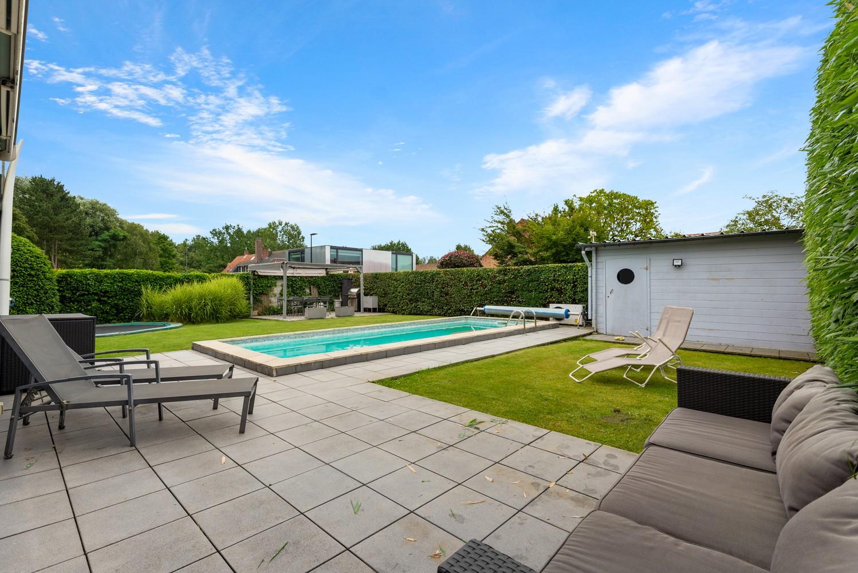 Zeer gunstig gelegen villa op een perceel van 657m² met zwembad! afbeelding 27