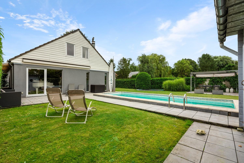 Zeer gunstig gelegen villa op een perceel van 657m² met zwembad! afbeelding 26