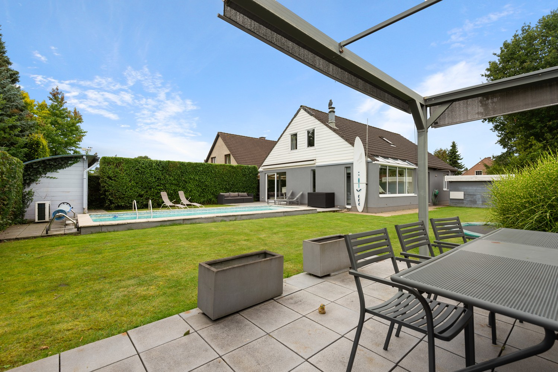 Zeer gunstig gelegen villa op een perceel van 657m² met zwembad! afbeelding 25