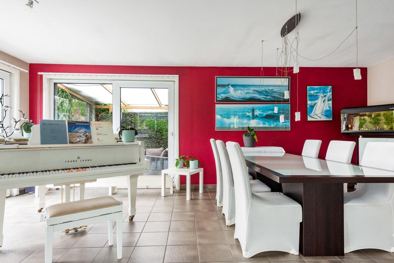 Zeer gunstig gelegen villa op een perceel van 657m² met zwembad! afbeelding 9