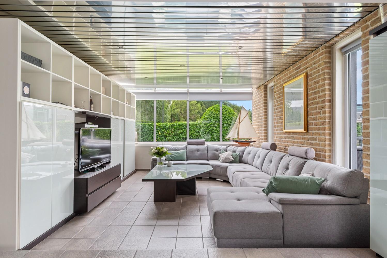 Zeer gunstig gelegen villa op een perceel van 657m² met zwembad! afbeelding 4