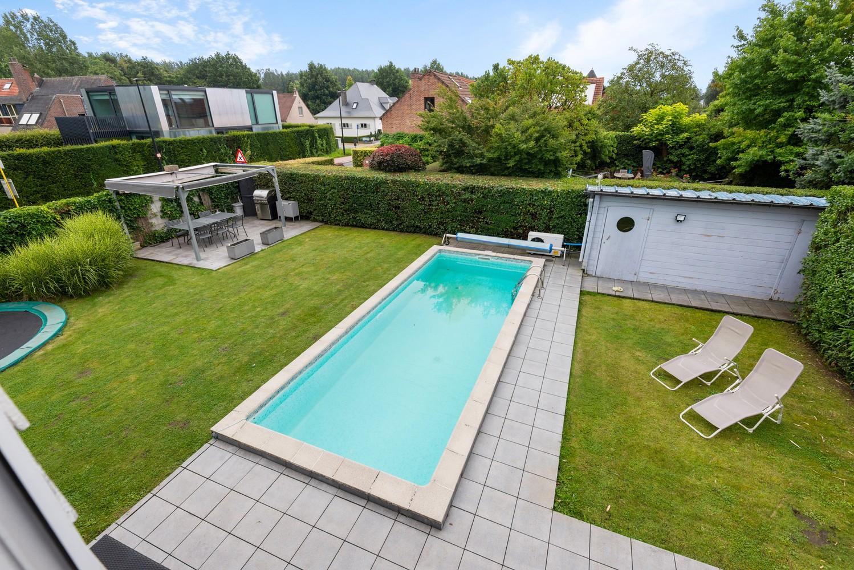 Zeer gunstig gelegen villa op een perceel van 657m² met zwembad! afbeelding 32