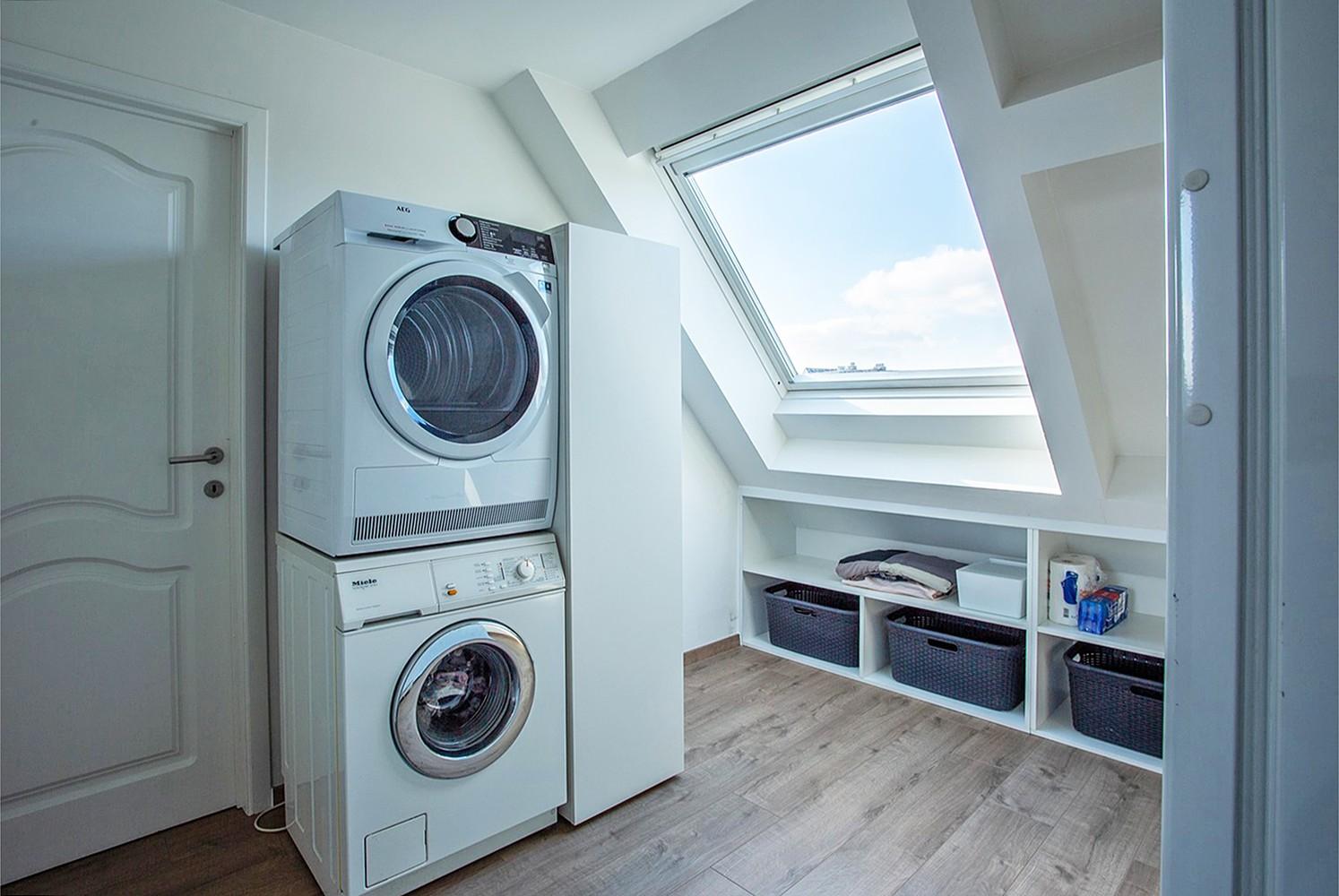 Verrassend ruim, lichtrijk appartement met 3 slaapkamers in hartje Broechem! afbeelding 8
