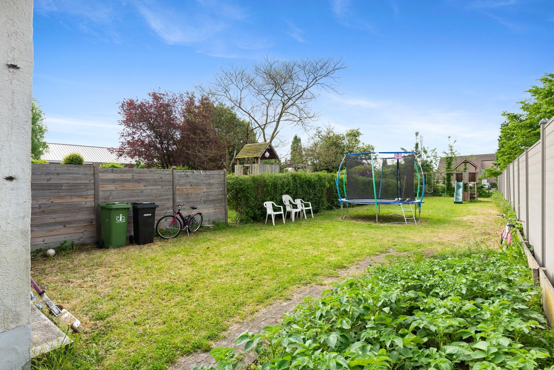 Gerenoveerde, ruime woning met veel mogelijkheden en grote tuin in hartje Broechem! afbeelding 2