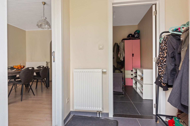 Gerenoveerde, ruime woning met veel mogelijkheden en grote tuin in hartje Broechem! afbeelding 3