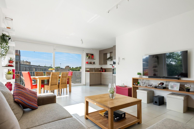 Recent en lichtrijk hoekappartement met twee slaapkamers en zonnig terras te Schoten! afbeelding 1