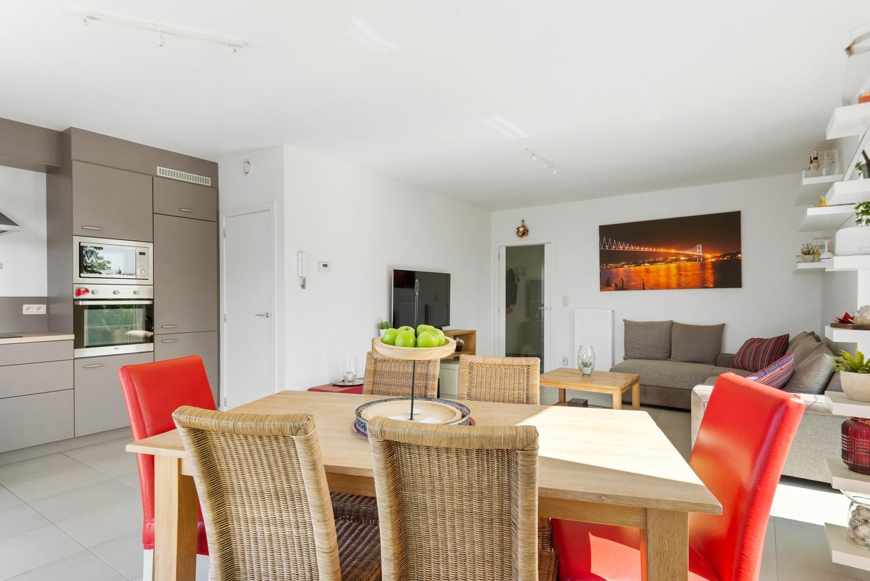 Recent en lichtrijk hoekappartement met twee slaapkamers en zonnig terras te Schoten! afbeelding 4