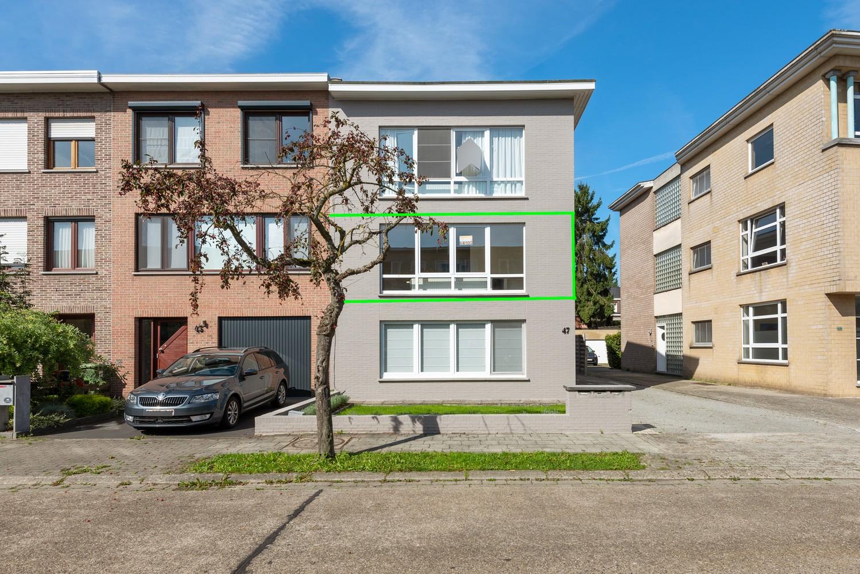 Lichtrijk, volledig gerenoveerd appartement met 2 slaapkamers & garagebox! afbeelding 15