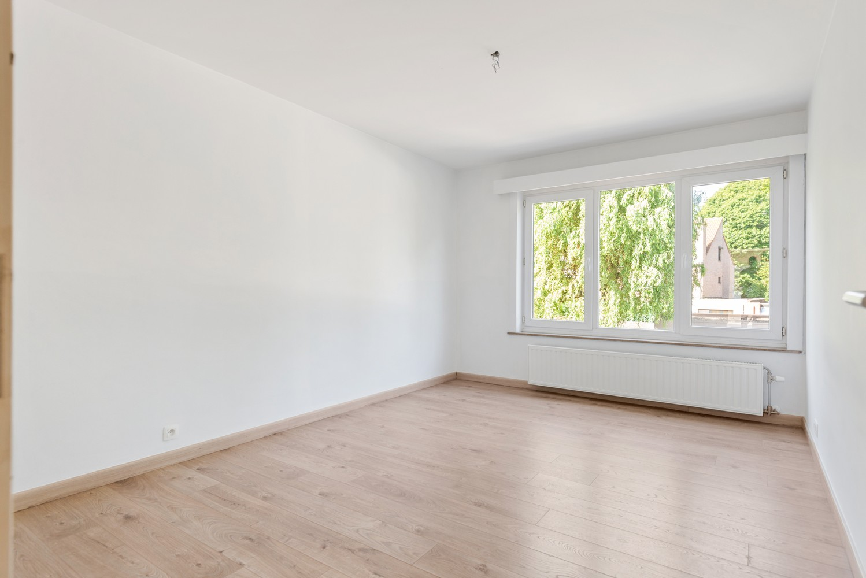 Lichtrijk, volledig gerenoveerd appartement met 2 slaapkamers & garagebox! afbeelding 12