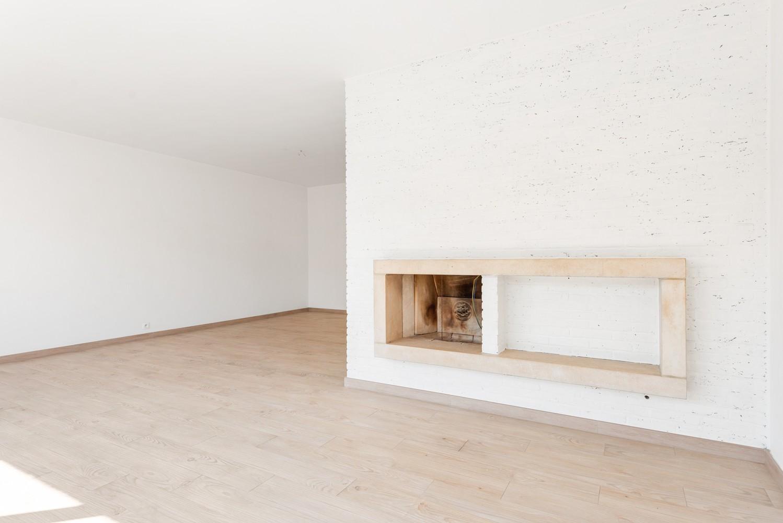 Lichtrijk, volledig gerenoveerd appartement met 2 slaapkamers & garagebox! afbeelding 5