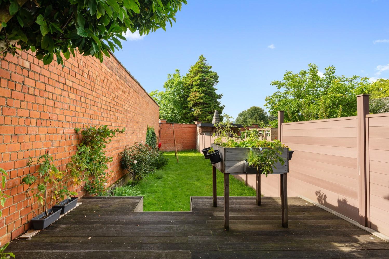Charmante, deels te renoveren rijwoning met 3 slaapkamers en leuke tuin te Deurne! afbeelding 22