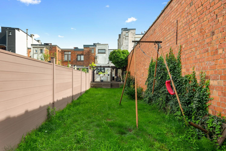 Charmante, deels te renoveren rijwoning met 3 slaapkamers en leuke tuin te Deurne! afbeelding 23