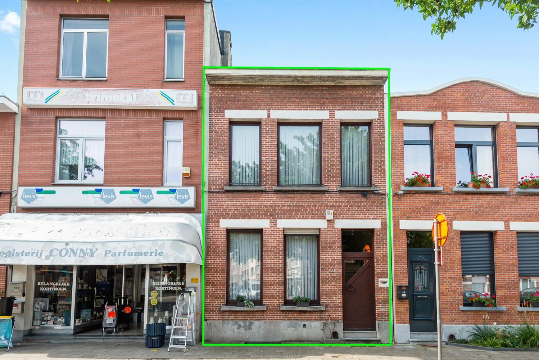 Charmante, deels te renoveren rijwoning met 3 slaapkamers en leuke tuin te Deurne! afbeelding 24