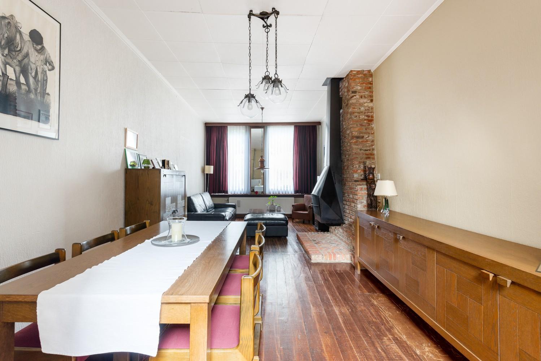Charmante, deels te renoveren rijwoning met 3 slaapkamers en leuke tuin te Deurne! afbeelding 8