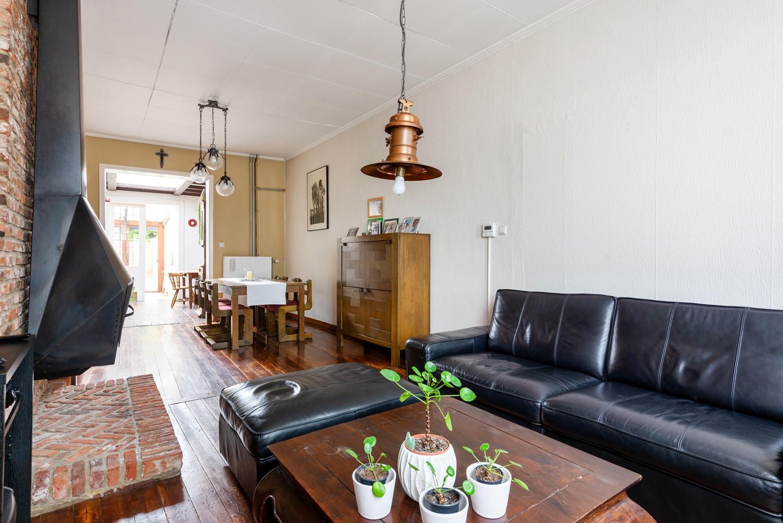 Charmante, deels te renoveren rijwoning met 3 slaapkamers en leuke tuin te Deurne! afbeelding 7