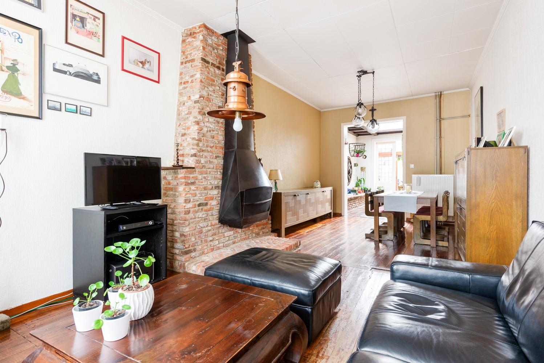 Charmante, deels te renoveren rijwoning met 3 slaapkamers en leuke tuin te Deurne! afbeelding 3