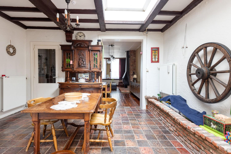 Charmante, deels te renoveren rijwoning met 3 slaapkamers en leuke tuin te Deurne! afbeelding 13