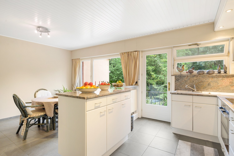 Verzorgde bel-étage woning met drie slaapkamers en zonnige tuin te Wijnegem. afbeelding 9