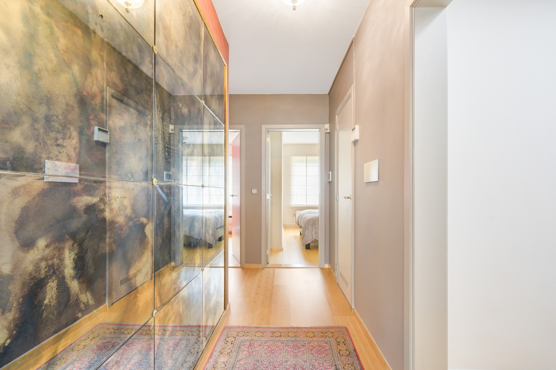 Verzorgde bel-étage woning met drie slaapkamers en zonnige tuin te Wijnegem. afbeelding 14