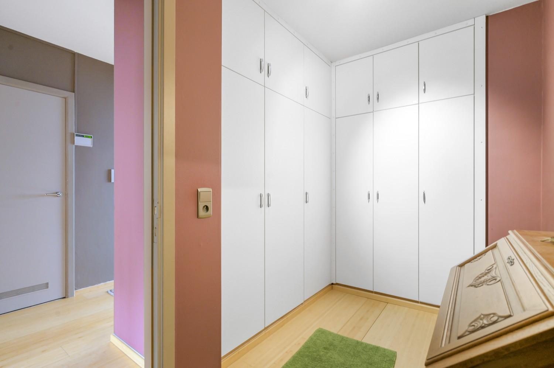 Verzorgde bel-étage woning met drie slaapkamers en zonnige tuin te Wijnegem. afbeelding 18