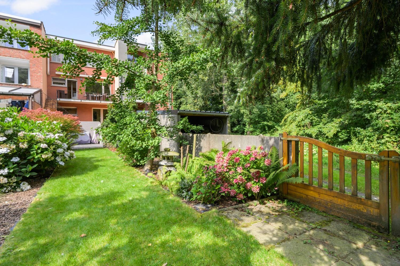 Verzorgde bel-étage woning met drie slaapkamers en zonnige tuin te Wijnegem. afbeelding 2