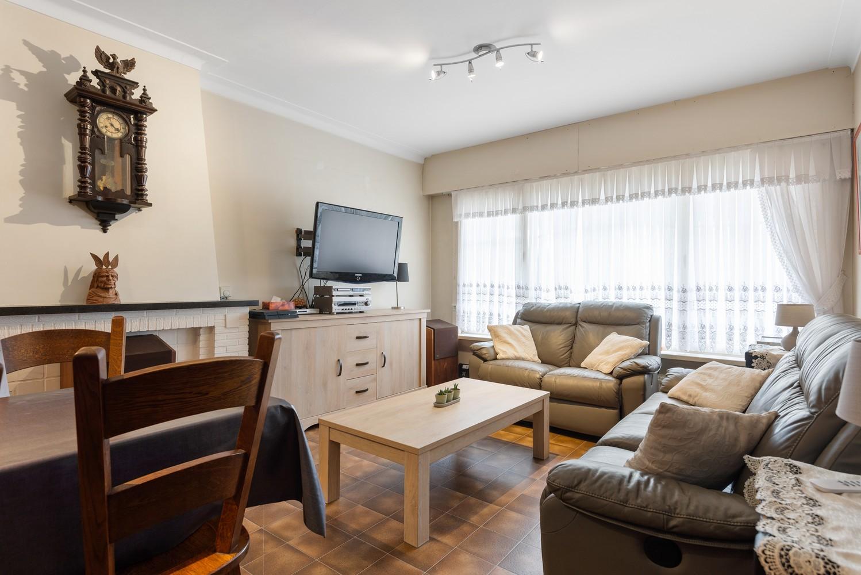 Verzorgd appartement met twee slaapkamers en tuin te Deurne. afbeelding 3