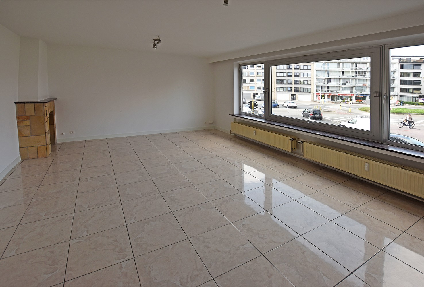 Ruim en verzorgd appartement met 2 slaapkamers en een dressing/bureau te Deurne! afbeelding 2