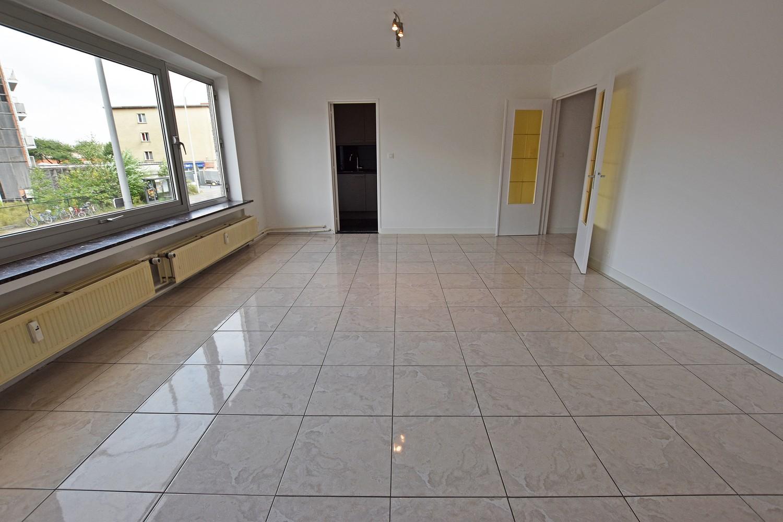 Ruim en verzorgd appartement met 2 slaapkamers en een dressing/bureau te Deurne! afbeelding 3