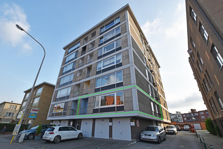 Ruim en verzorgd appartement met 2 slaapkamers en een dressing/bureau te Deurne! afbeelding 1