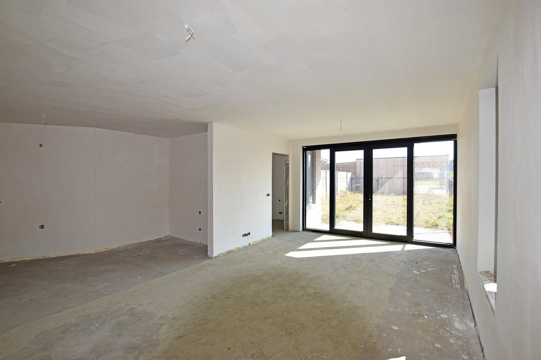 Licht en functioneel appartement (+-102,6m²) met 3 slaapkamers, terras en oost-georiënteerde privatieve tuin! afbeelding 3