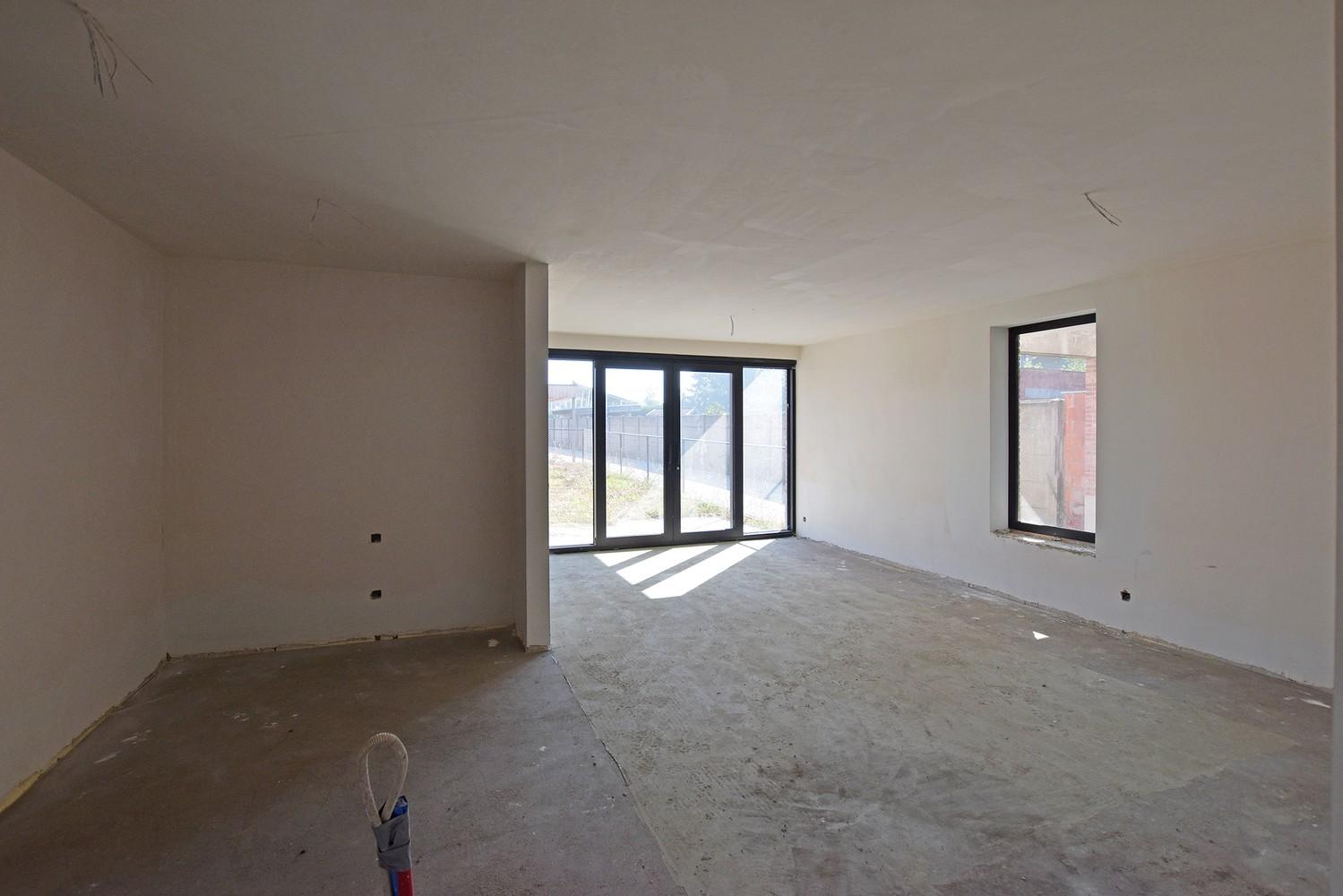 Licht en functioneel appartement (+-102,6m²) met 3 slaapkamers, terras en oost-georiënteerde privatieve tuin! afbeelding 4