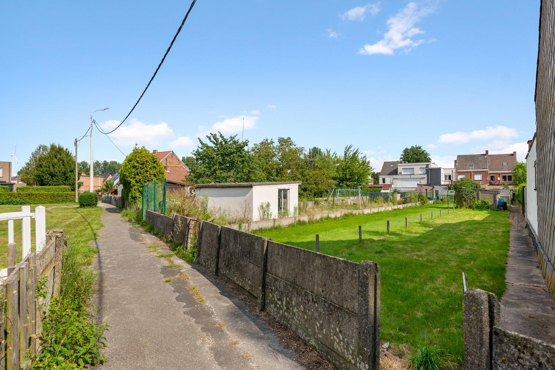 Volledig te renoveren woning gelegen in een rustige straat, nabij het centrum van Willebroek. afbeelding 23