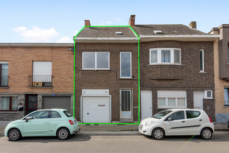Volledig te renoveren woning gelegen in een rustige straat, nabij het centrum van Willebroek. afbeelding 1