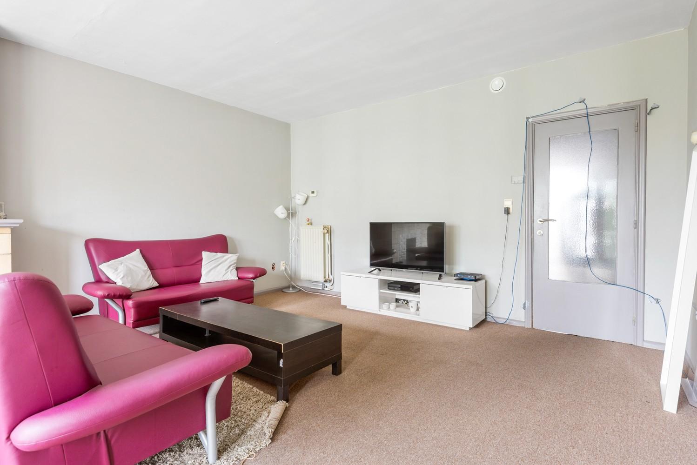 Op te frissen appartement met twee slaapkamers en terras te Schoten. afbeelding 5