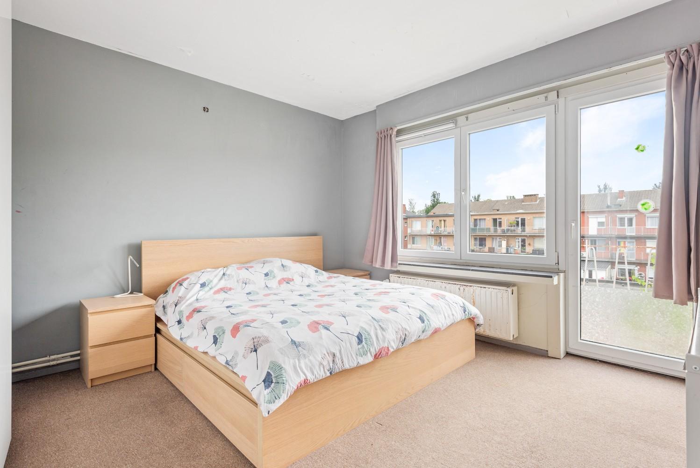 Op te frissen appartement met twee slaapkamers en terras te Schoten. afbeelding 10