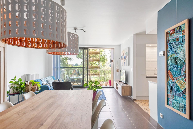 Smaakvol en recent appartement met twee slaapkamers en terras op  de grens Berchem/Mortsel afbeelding 8