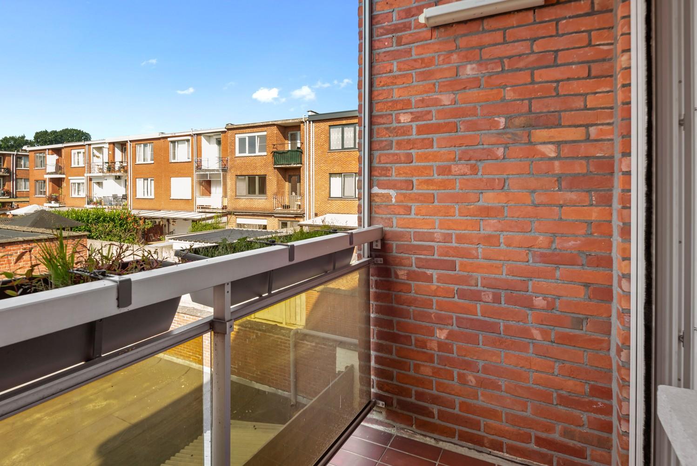 """Verzorgd appartement met drie slaapkamers en terras in de """"Zwarte Arend-wijk"""" te Deurne. afbeelding 14"""