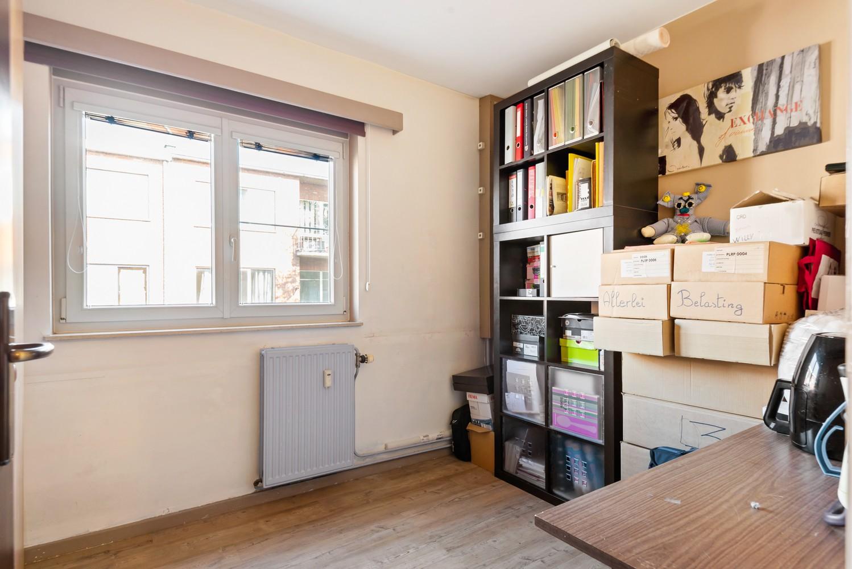 """Verzorgd appartement met drie slaapkamers en terras in de """"Zwarte Arend-wijk"""" te Deurne. afbeelding 11"""