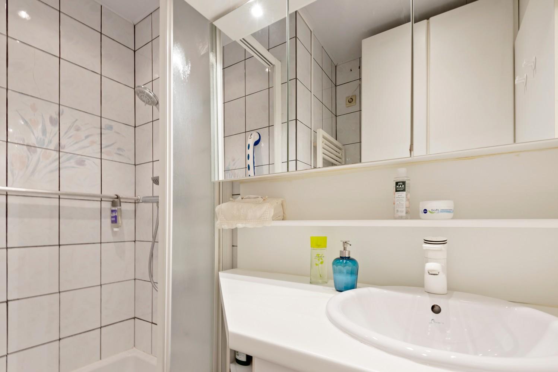 """Verzorgd appartement met drie slaapkamers en terras in de """"Zwarte Arend-wijk"""" te Deurne. afbeelding 12"""