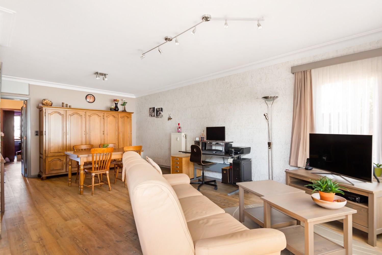 """Verzorgd appartement met drie slaapkamers en terras in de """"Zwarte Arend-wijk"""" te Deurne. afbeelding 5"""