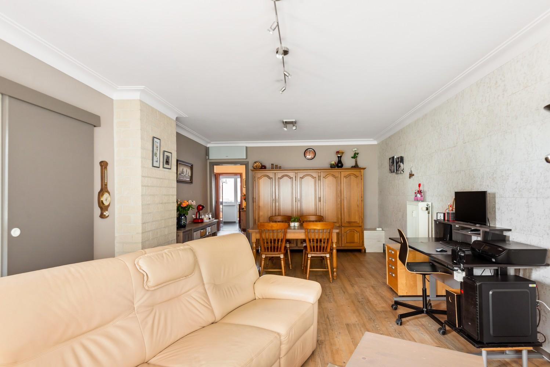 """Verzorgd appartement met drie slaapkamers en terras in de """"Zwarte Arend-wijk"""" te Deurne. afbeelding 4"""
