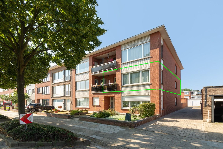 """Verzorgd appartement met drie slaapkamers en terras in de """"Zwarte Arend-wijk"""" te Deurne. afbeelding 1"""