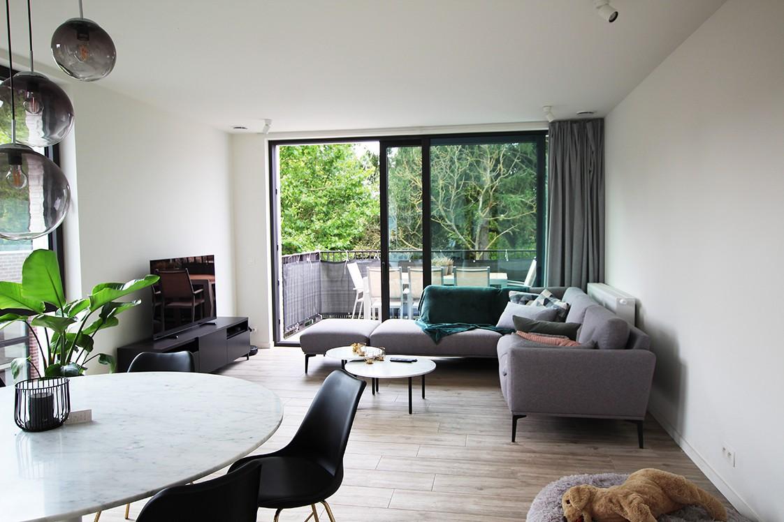 Recent, lichtrijk appartement met riant terras in centrum Broechem! afbeelding 2