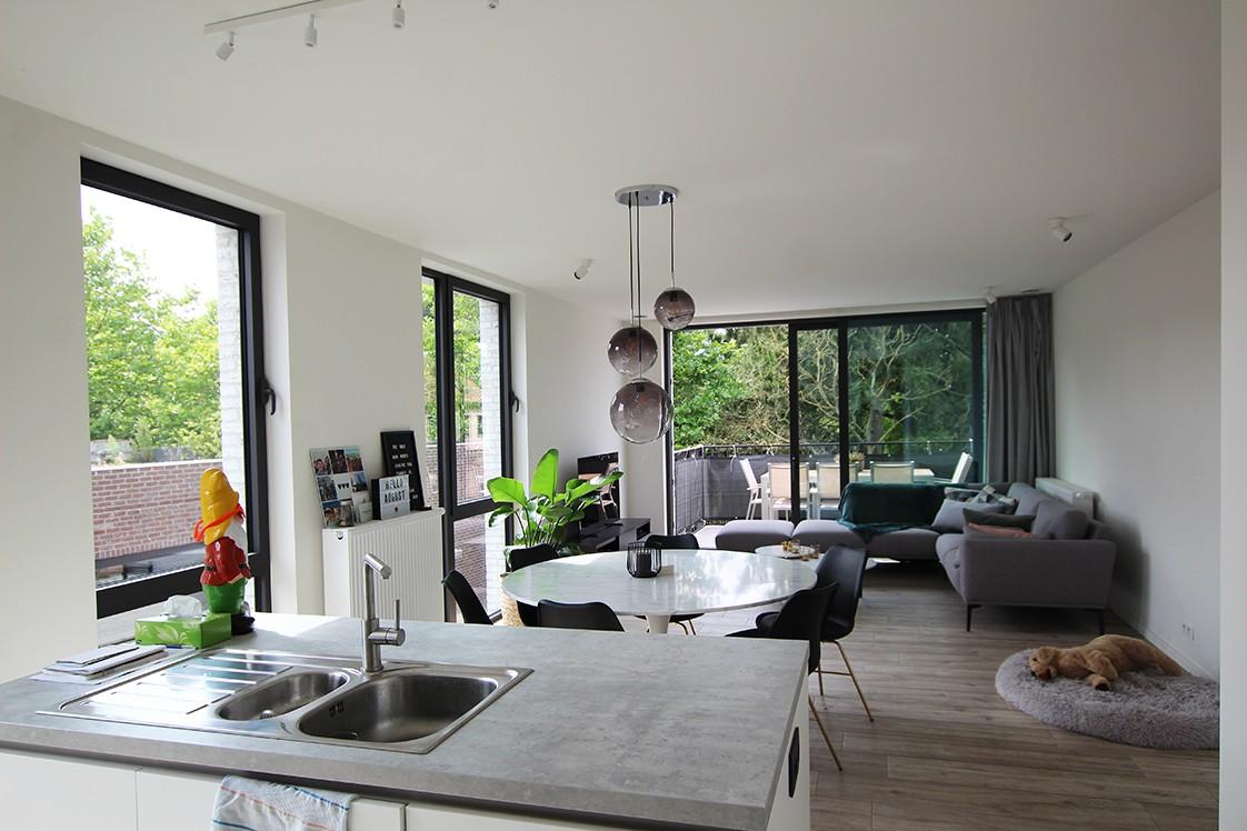 Recent, lichtrijk appartement met riant terras in centrum Broechem! afbeelding 7