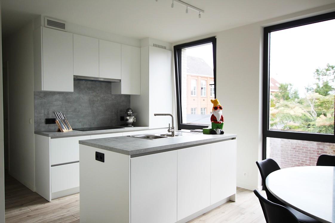 Recent, lichtrijk appartement met riant terras in centrum Broechem! afbeelding 5