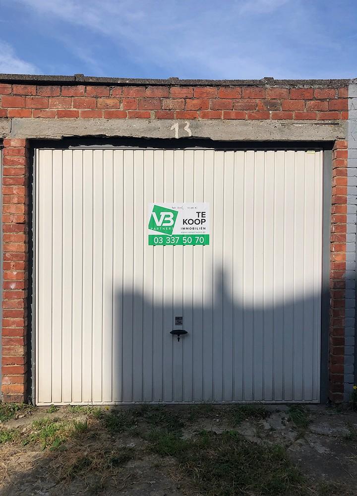 Garagebox op een centrale locatie in Deurne! afbeelding 1